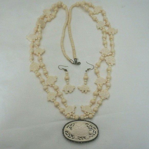 Vintage Jewelry Carved Cow Bone Turtle Pendant Necklace Poshmark